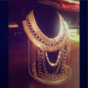 SLAMMIN' Gold Statement Necklace!🥂🌟💃🕺🏻👑
